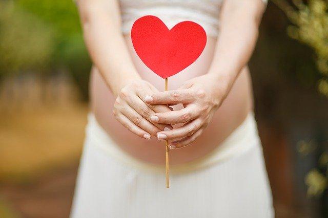 Можно ли не заметить беременность.